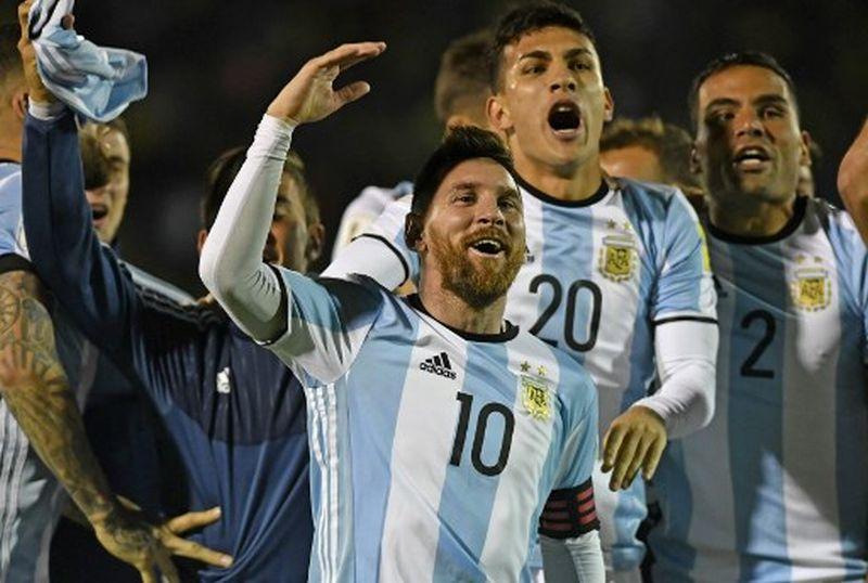 https: img-z.okeinfo.net content 2017 12 07 51 1826637 messi-ngebet-persembahkan-trofi-piala-dunia-untuk-argentina-9QjYyzFgcm.jpg