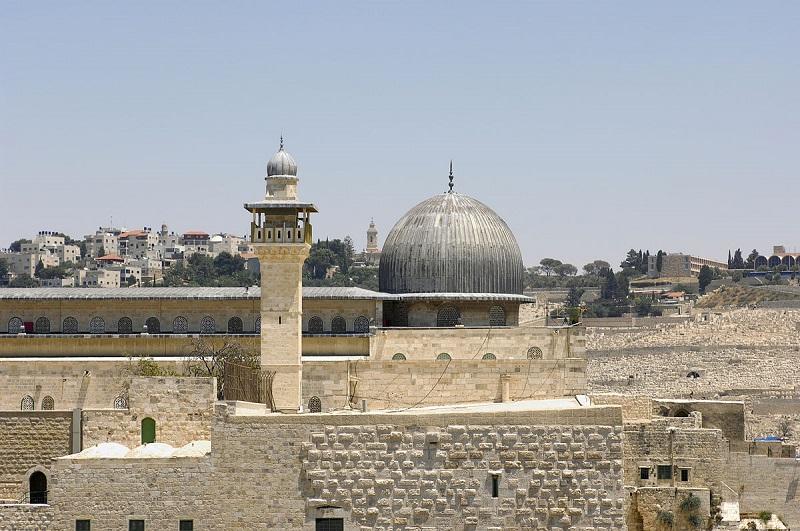 https: img-z.okeinfo.net content 2017 12 08 406 1827344 dikenal-sebagai-kota-3-agama-kenali-destinasi-wisata-religi-di-yerusalem-yang-bisa-dikunjungi-XmXhvF9j7F.jpg