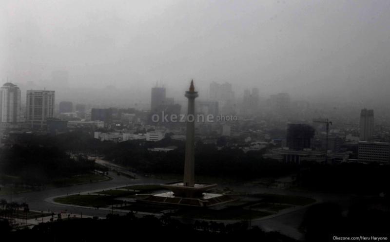 https: img-z.okeinfo.net content 2017 12 12 338 1829141 hujan-deras-kembali-guyur-jakarta-kawasan-duren-sawit-dan-cawang-tergenang-AjRc2OSd9Y.jpg