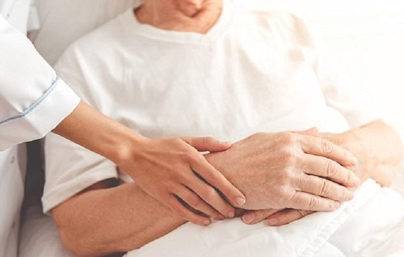 https: img-z.okeinfo.net content 2017 12 13 481 1829729 perawatan-paliatif-minimalisir-rasa-sakit-pasien-hingga-ajal-menjemput-c8GYi5Ahwo.jpg
