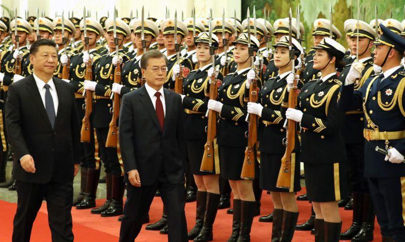 https: img-z.okeinfo.net content 2017 12 15 18 1830689 presiden-korsel-china-bersumpah-tak-akan-ada-perang-di-semenanjung-korea-jxp5WTUPXH.jpg