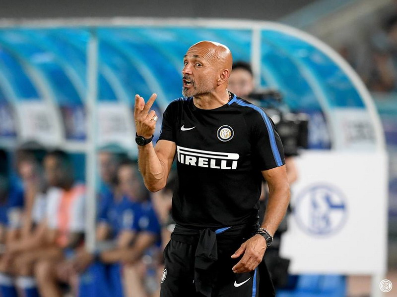 https: img-z.okeinfo.net content 2017 12 15 47 1830949 luciano-spalletti-enggan-disamakan-dengan-mourinho-NayEDVaWco.jpg