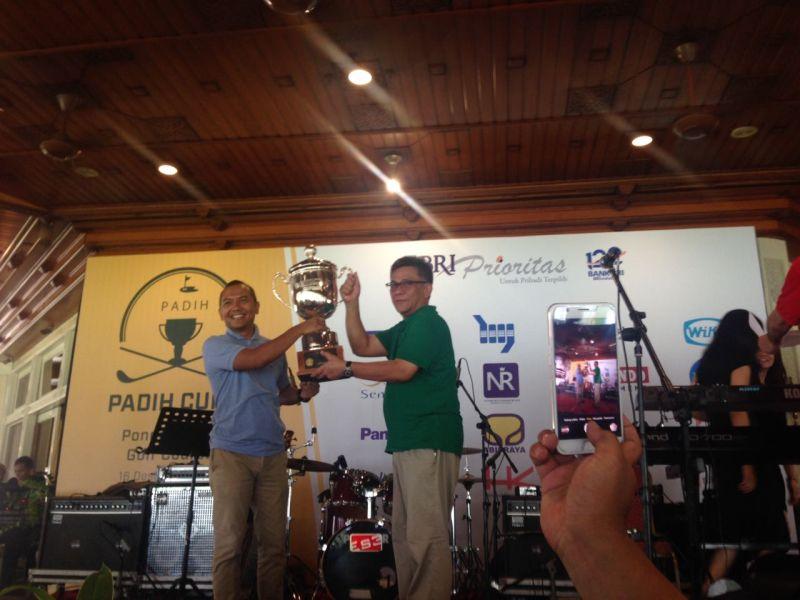 https: img-z.okeinfo.net content 2017 12 16 43 1831402 berikut-daftar-pemenang-padih-cup-1-golf-tournament-vmHjsoWUAi.jpg