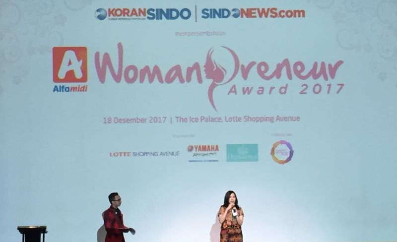 https: img-z.okeinfo.net content 2017 12 18 320 1832315 womanpreneur-awards-2017-ajang-pengusaha-wanita-indonesia-uji-kreativitas-te6Ktllo8c.jpg