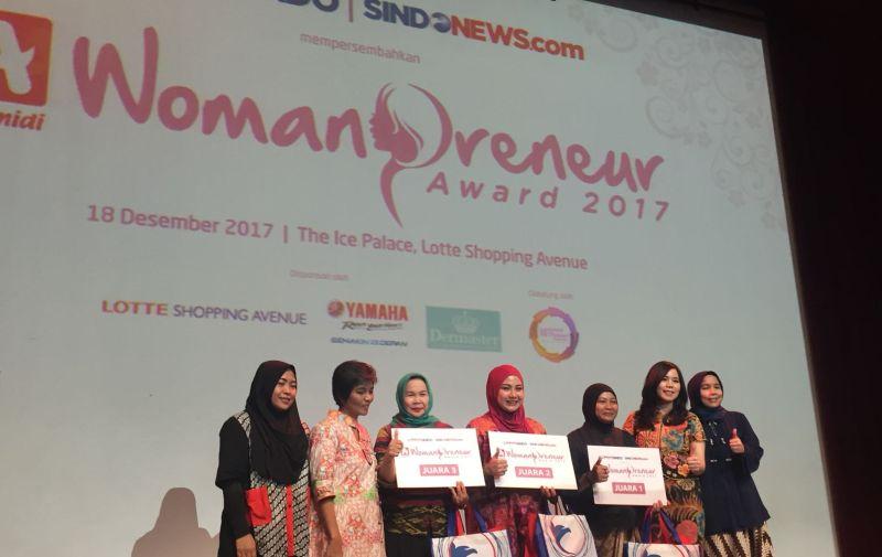 https: img-z.okeinfo.net content 2017 12 18 320 1832430 3-pengusaha-wanita-ini-juarai-alfamidi-womanpreneur-award-2017-GswortV1Ly.jpg