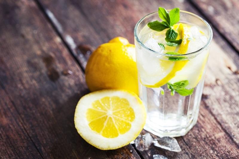 https: img-z.okeinfo.net content 2017 12 22 481 1834362 7-minuman-pengganti-air-putih-untuk-cegah-dehidrasi-badan-kembali-segar-9dEA6ZApho.jpg