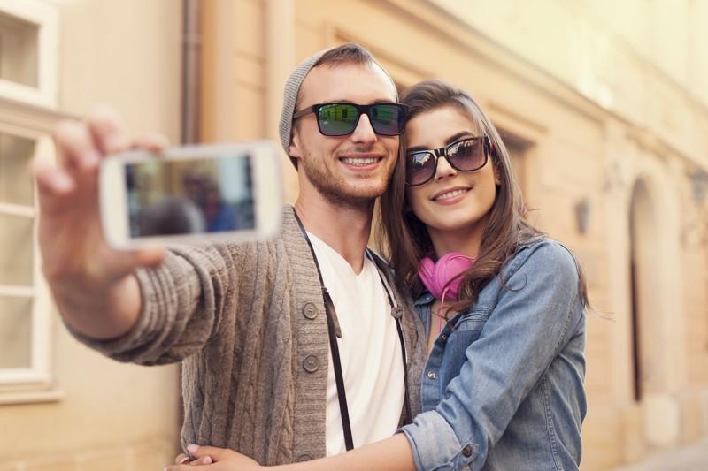 https: img-z.okeinfo.net content 2017 12 25 481 1835541 sering-foto-selfie-pertanda-alami-gangguan-mental-benarkah-A9S7nL9XRW.jpg