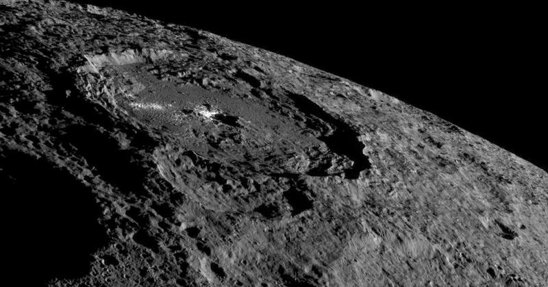https: img-z.okeinfo.net content 2017 12 27 56 1836400 sempat-dekati-bumi-asteroid-3200-phaethon-berukuran-lebih-besar-oE2QwB2S1q.jpg