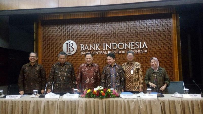 https: img-z.okeinfo.net content 2017 12 28 20 1837091 bi-sebut-indonesia-harus-antisipasi-kepergian-investor-akibat-reformasi-pajak-as-zOFpodyx3p.jpeg