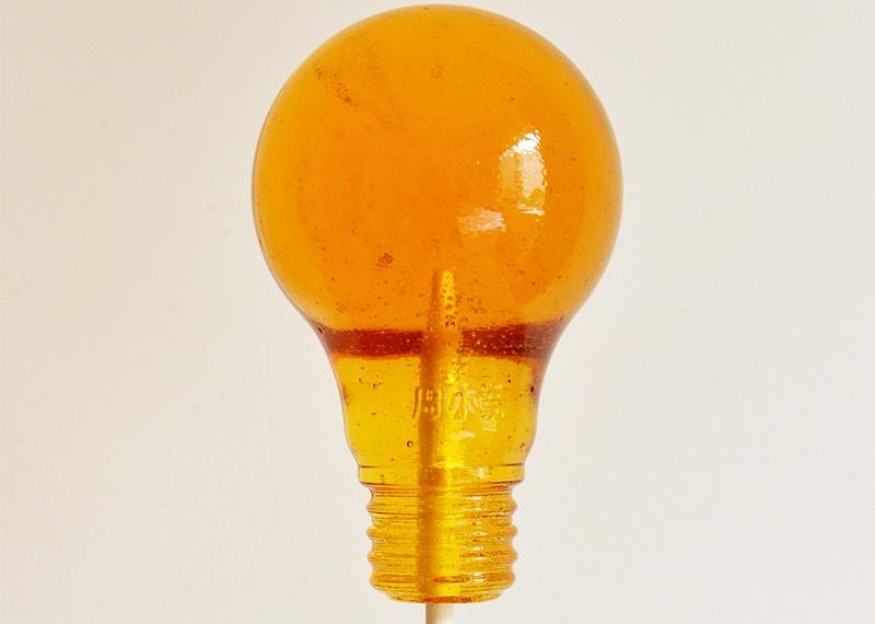 https: img-z.okeinfo.net content 2018 01 03 298 1839584 permen-populer-lightbulb-asal-china-ini-dianggap-berbahaya-ini-alasannya-poDoIbwuAW.jpg