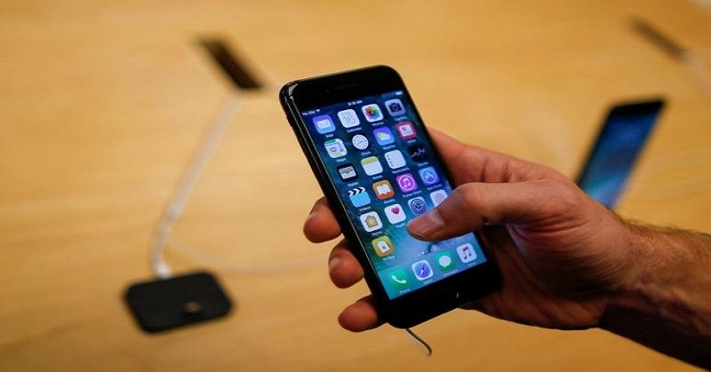 https: img-z.okeinfo.net content 2018 01 03 57 1839305 apple-bebaskan-syarat-penggantian-baterai-untuk-iphone-lemot-sl6sx2OpUP.jpg