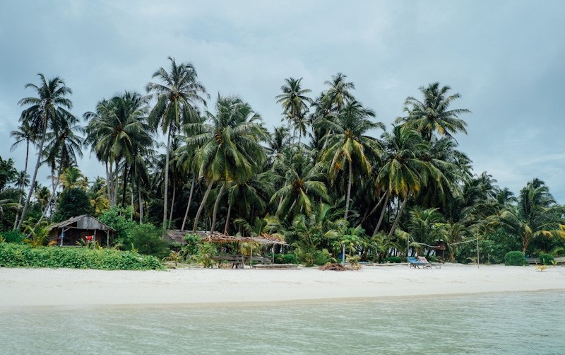 https: img-z.okeinfo.net content 2018 01 10 406 1842861 pesona-pulau-tailana-berbalut-kesederhanaan-dan-kesunyian-di-aceh-9IvqSXuzTx.jpg