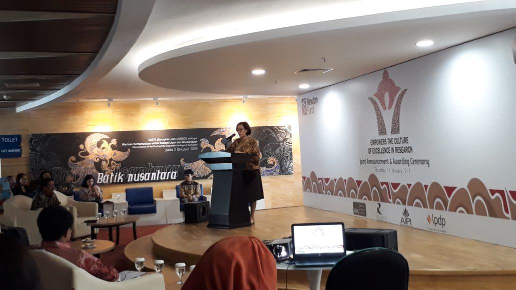 https: img-z.okeinfo.net content 2018 01 11 20 1843503 sri-mulyani-dukung-pembiayaan-11-riset-rp100-miliar-SEWJQOnkRR.jpg