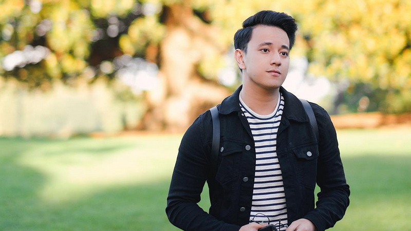 https: img-z.okeinfo.net content 2018 01 11 206 1843618 punya-filosofi-menarik-alasan-billy-davidson-tertarik-main-di-meet-me-after-sunset-GelMaU62av.jpg