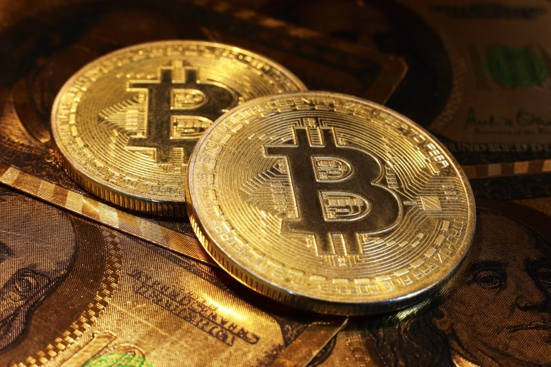 https: img-z.okeinfo.net content 2018 01 11 320 1843701 korsel-larang-perdagangan-bitcoin-cs-picu-aksi-jual-H78zXMcv0m.jpg