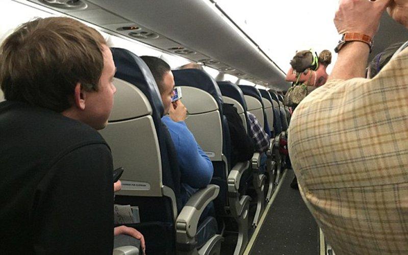 https: img-z.okeinfo.net content 2018 01 12 406 1844128 5-hewan-peliharaan-teraneh-yang-dibawa-penumpang-pesawat-terbang-N8YliJdGPd.jpg