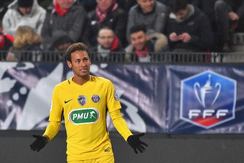 https: img-z.okeinfo.net content 2018 01 12 51 1844173 ronaldo-kepindahan-neymar-ke-psg-sebuah-kemunduran-xLjjBiWpyb.jpg