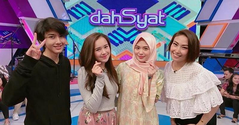 https: img-z.okeinfo.net content 2018 01 12 598 1843881 cerita-ayana-jihye-moon-hijaber-asal-korea-di-panggung-dahsyat-IisXj6Ln9n.jpg