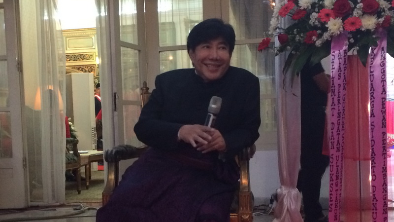 https: img-z.okeinfo.net content 2018 01 13 33 1844579 guruh-soekarnoputra-prihatin-lihat-karya-seni-indonesia-yang-sok-kebarat-baratan-KOZhRfd9Ej.jpg