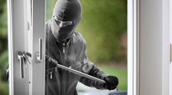 https: img-z.okeinfo.net content 2018 01 14 338 1844839 dua-pelaku-pencurian-rumah-anggota-dpr-ditangkap-EKEdKfC3nX.jpg