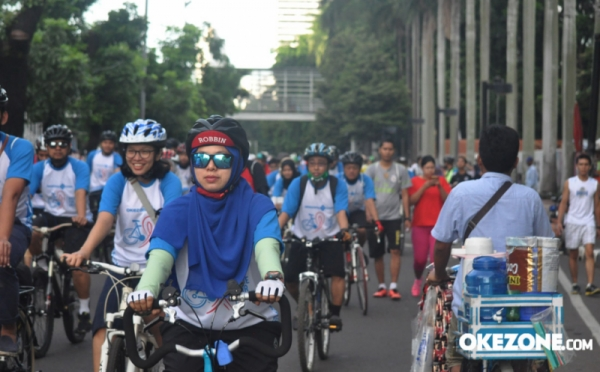 https: img-z.okeinfo.net content 2018 01 14 340 1844758 galang-calon-barisan-indonesia-muda-perindo-agam-dan-llc-gelar-sepeda-fun-bike-JqdogF74mv.jpg