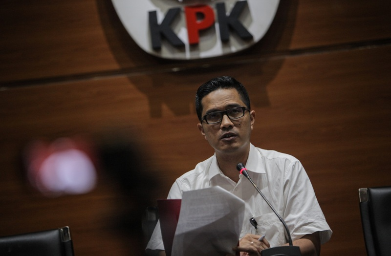 https: img-z.okeinfo.net content 2018 01 15 337 1845033 kasus-suap-garuda-indonesia-kpk-periksa-penyuap-emirsyah-satar-YZOPCWo7ss.jpg