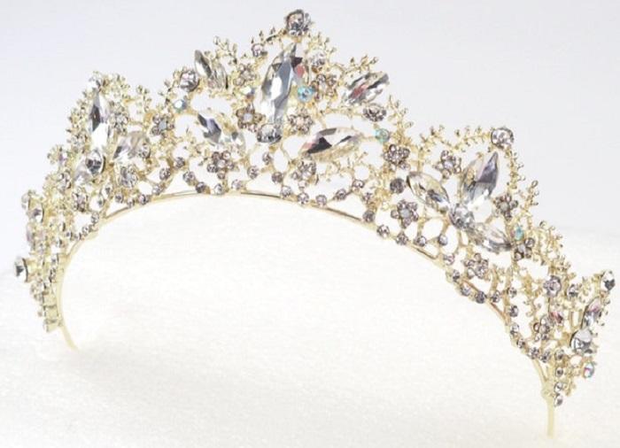 https: img-z.okeinfo.net content 2018 01 16 194 1845806 cantik-5-tiara-mewah-yang-terinspirasi-dari-disney-princess-TBYG5EbWOx.jpg