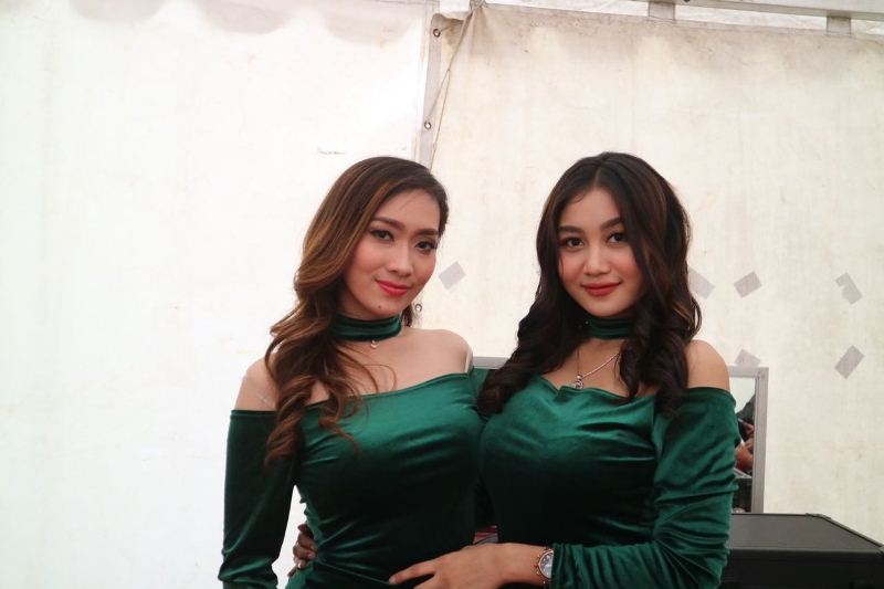 https: img-z.okeinfo.net content 2018 01 16 33 1845494 via-vallen-dukung-duo-serigala-recycle-lagu-sayang-versi-bahasa-indonesia-dhi4wz4x9l.jpg
