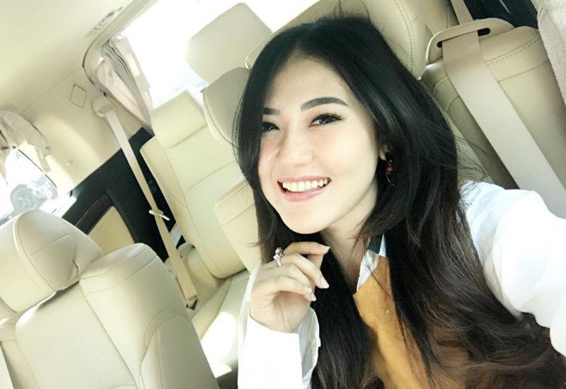 https: img-z.okeinfo.net content 2018 01 20 598 1847927 cerita-via-vallen-2-kali-batal-audisi-indonesian-idol-afE2VOe88u.jpg