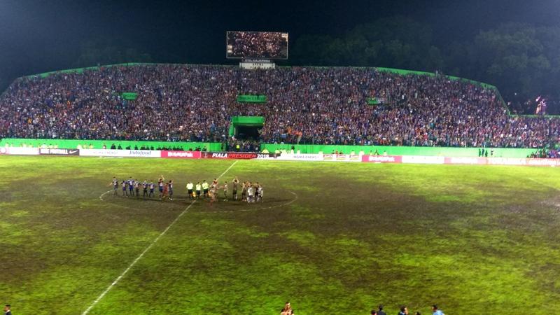https: img-z.okeinfo.net content 2018 01 21 49 1848049 stadion-gajayana-tak-layak-gelaran-piala-presiden-bakal-dipindah-ke-kanjuruhan-XmoM9LkiIm.jpg