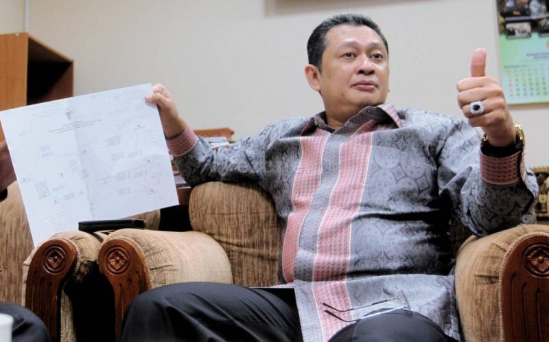 https: img-z.okeinfo.net content 2018 01 22 337 1848315 ketua-dpr-bambang-soesatyo-dinilai-bisa-selesaikan-ruu-kuhp-OOfq8lUu7g.jpg