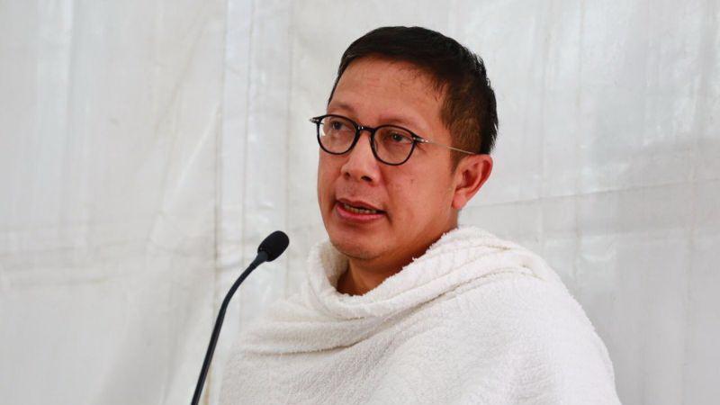 https: img-z.okeinfo.net content 2018 01 23 33 1849180 menag-lukman-hakim-kenang-jasa-almarhum-sys-ns-di-pemakaman-eIVMxzl9oB.jpg
