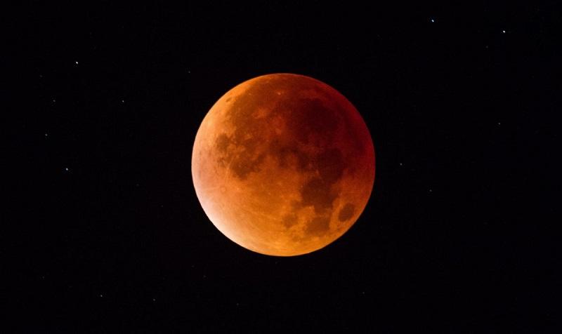 https: img-z.okeinfo.net content 2018 01 30 406 1852391 catat-ini-7-lokasi-untuk-saksikan-super-blue-blood-moon-gratis-di-jakarta-3fS7UvPau2.jpg