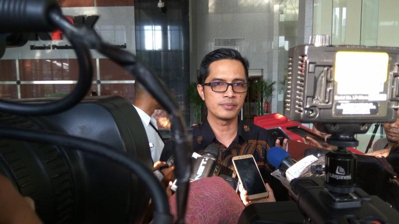 https: img-z.okeinfo.net content 2018 01 31 337 1852604 petinggi-garuda-indonesia-kembali-diperiksa-terkait-suap-pesawat-hLcfeuowFf.jpg