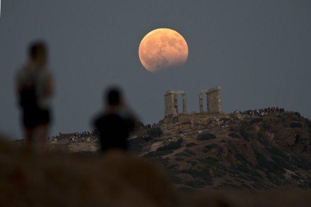 https: img-z.okeinfo.net content 2018 01 31 406 1852521 gerhana-bulan-total-apa-yang-bakal-anda-lihat-nanti-malam-ketahui-di-sini-HhVeCtmHiO.jpg