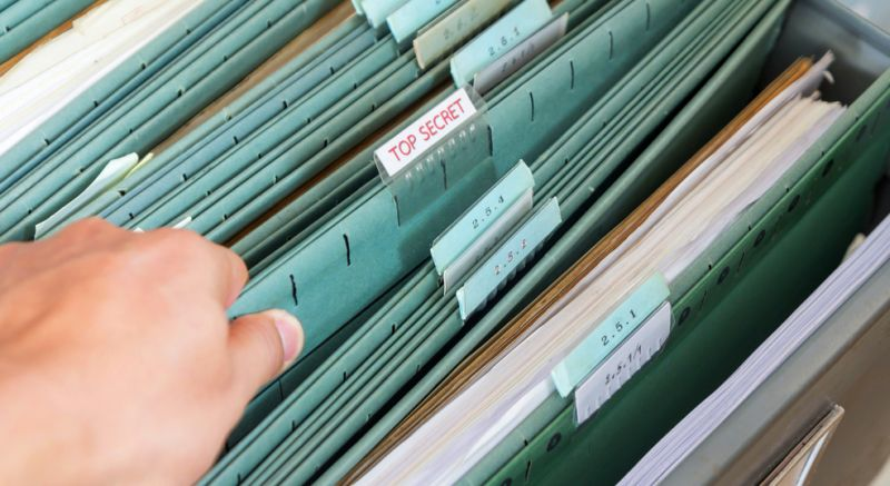 https: img-z.okeinfo.net content 2018 02 01 18 1853133 ribuan-dokumen-rahasia-australia-dijual-di-toko-perabot-bekas-XOFNfsJjWX.jpg