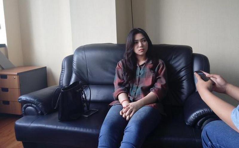 https: img-z.okeinfo.net content 2018 02 02 33 1854073 cerita-isyana-sarasvati-dapat-beasiswa-sekolah-musik-di-singapura-tanpa-lulus-sma-BtGcxKG50v.jpg