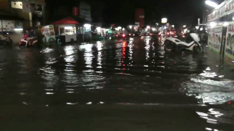 https: img-z.okeinfo.net content 2018 02 06 338 1855219 banjir-rendam-perumahan-pondok-ungu-bekasi-zUeS6rTukA.jpg