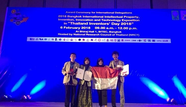 https: img-z.okeinfo.net content 2018 02 08 65 1856654 tim-ugm-raih-medali-emas-dalam-ajang-internasional-di-thailand-1ZZJnLYm8M.jpg