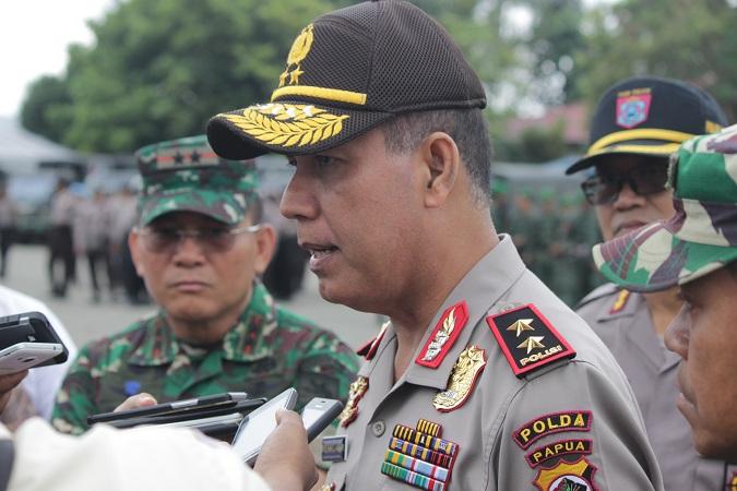https: img-z.okeinfo.net content 2018 02 09 340 1857437 kapolda-papua-pasukan-pengamanan-pilkada-di-daerah-rawan-dibekali-peluru-tajam-31vGsLrSOK.JPG
