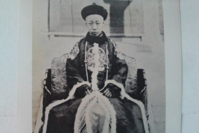 https: img-z.okeinfo.net content 2018 02 11 18 1857937 berakhirnya-dinasti-di-china-akibat-revolusi-sun-yat-sen-naGVi4vKgJ.jpg