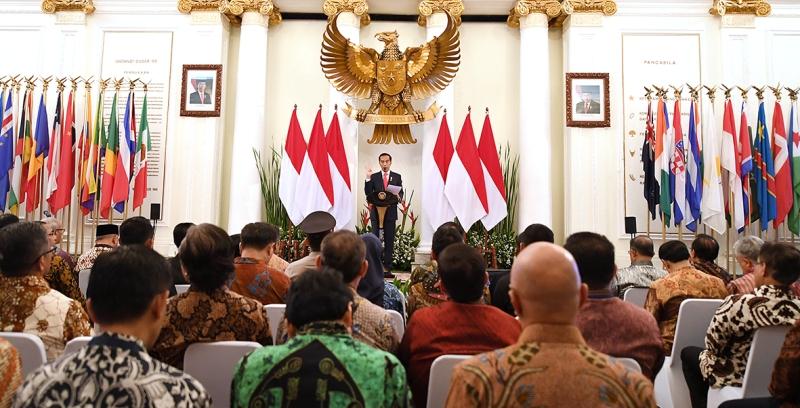 https: img-z.okeinfo.net content 2018 02 12 18 1858381 presiden-jokowi-indonesia-negara-besar-jangan-cari-bantuan-dari-negara-lain-yE7jIy4RLs.jpg