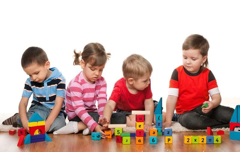 https: img-z.okeinfo.net content 2018 02 12 196 1858570 mainan-anak-makin-mahal-ini-trik-puaskan-si-kecil-bermain-tanpa-bikin-dompet-kering-TRQjSLtqgN.jpg
