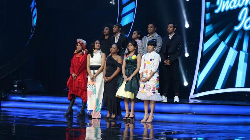 https: img-z.okeinfo.net content 2018 02 13 598 1859136 tantangan-baru-top-10-indonesian-idol-saling-duet-malam-ini-qt7BytDtvr.jpg