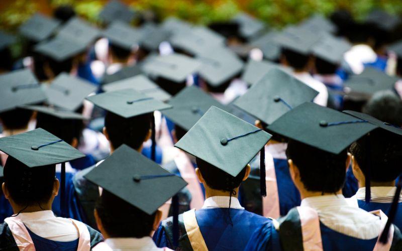https: img-z.okeinfo.net content 2018 02 13 65 1859042 akreditas-kampus-mati-mahasiswa-unsrat-batal-diwisuda-lIizmSfdLd.jpg