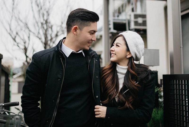 https: img-z.okeinfo.net content 2018 02 14 196 1859543 hari-valentine-franda-ungkap-kebiasaan-yang-sering-dilakukan-bersama-suami-DBWbBpZR8n.jpg