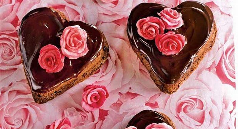 https: img-z.okeinfo.net content 2018 02 14 320 1859587 business-hits-manfaatkan-valentine-mahasiswa-ini-buka-usaha-cake-45Hghw01B1.jpg
