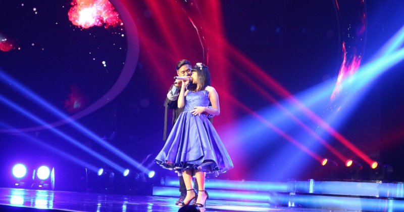 https: img-z.okeinfo.net content 2018 02 14 598 1859217 duet-abdul-dan-ghea-dapat-empat-standing-applause-dari-juri-indonesian-idol-60HMxiel0J.jpg