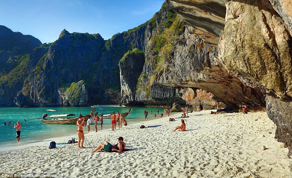 https: img-z.okeinfo.net content 2018 02 15 406 1859865 terumbu-karang-rusak-pemerintah-thailand-tutup-pantai-lokasi-syuting-film-the-beach-cHFolWPemi.jpg