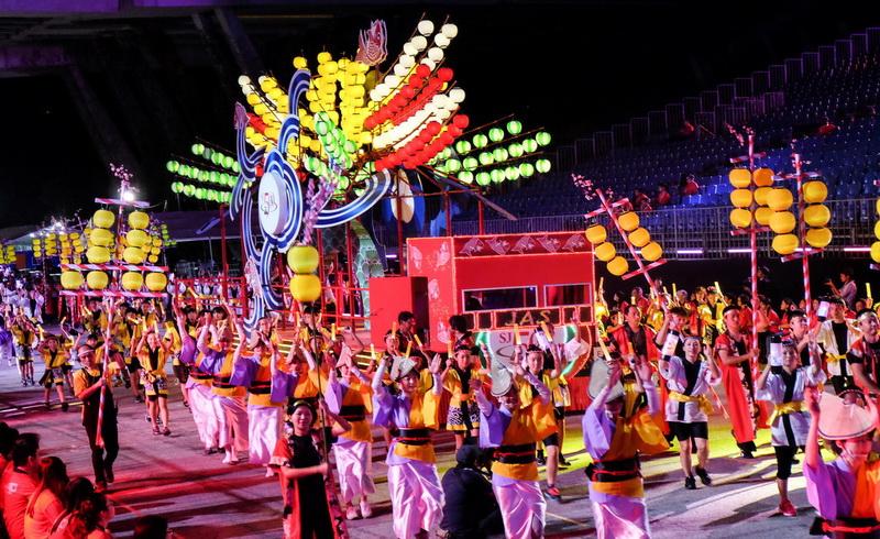 https: img-z.okeinfo.net content 2018 02 15 406 1860049 parade-chingay-perayaan-imlek-terbesar-di-singapura-xqNudtP8Yf.jpg